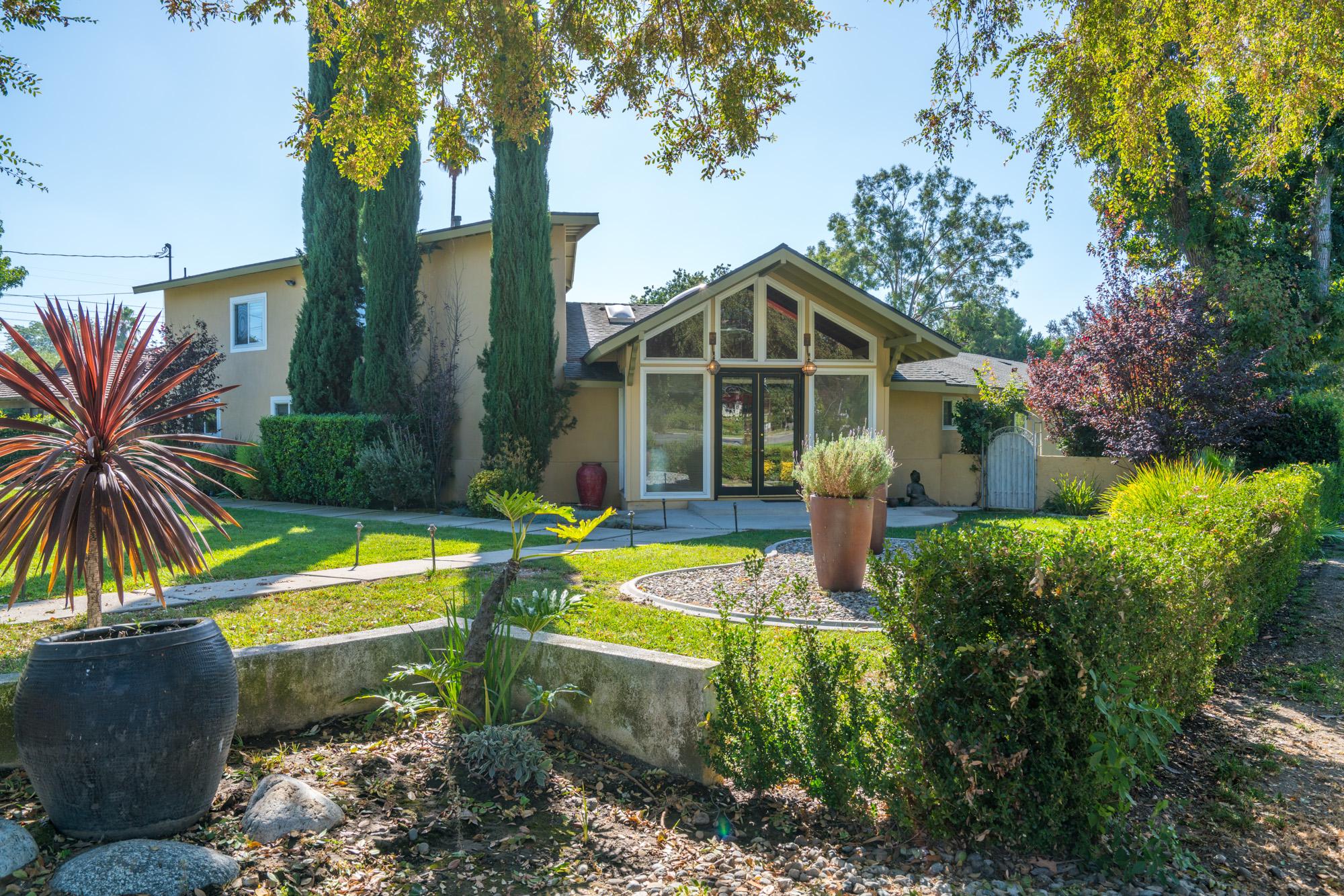 3210 Lombardy Road Pasadena, California 91107